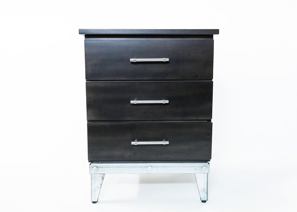 Orono Overlay 3 Drawer Nightstand