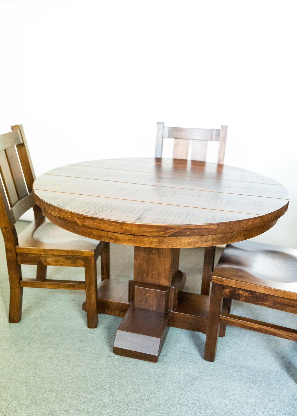 "Shrewsbury 48"" Round Table & 4 Rustic Boardback Chairs"